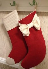how-to-make-burlaptmas-stockings-diy-instructions-picture-inspirations-red-patterns-1024x1476